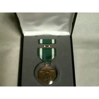 Navy & Marine Corps Commendation Presentation Set - Medal, Ribbon & Lapel Pin