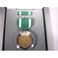 Navy & Marine Corps Commendation Presentation Set - Medal, Ribbon & Lapel Pin