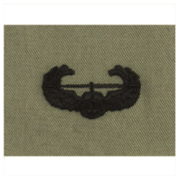 Vanguard ARMY EMBROIDERED BADGE: AIR ASSAULT EMBROIDERED WITH BLACK THREAD ON ABU