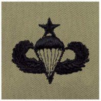 Vanguard ARMY EMBROIDERED BADGE: SENIOR PARACHUTE EMBROIDERED WITH BLACK THREAD ON ABU