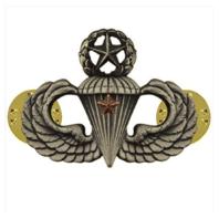 Vanguard ARMY BADGE: MASTER COMBAT PARACHUTE FIRST AWARD - SILVER OXIDIZED