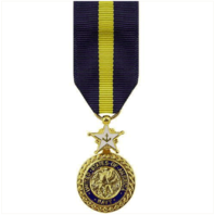 Vanguard MINIATURE MEDAL: NAVY DISTINGUISHED SERVICE - 24K GOLD PLATED