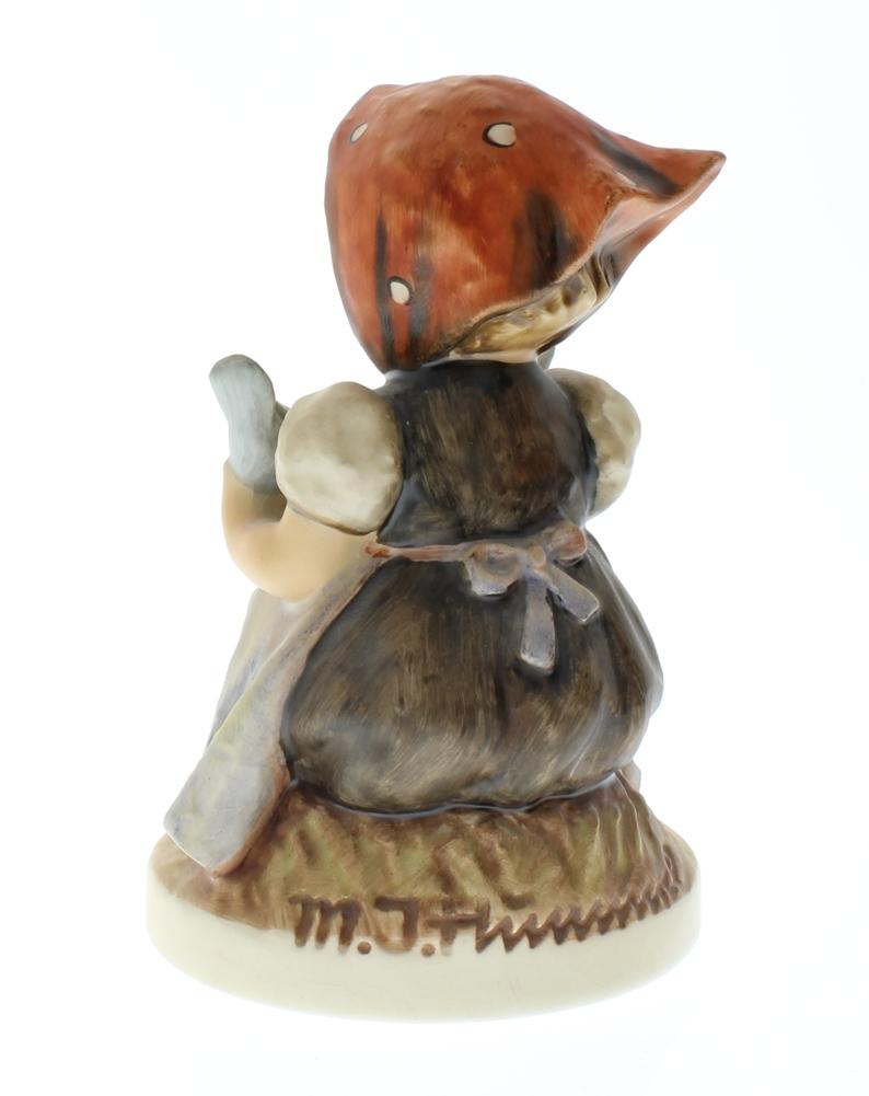 Vintage Hummel Figurine 27
