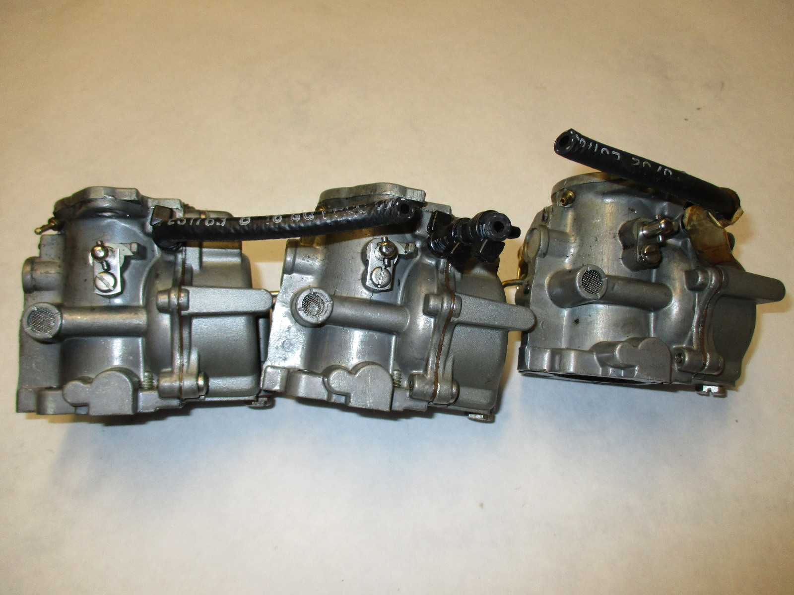 0433237 0436664 Carburetor Assembly Johnson Evinrude 60 Hp