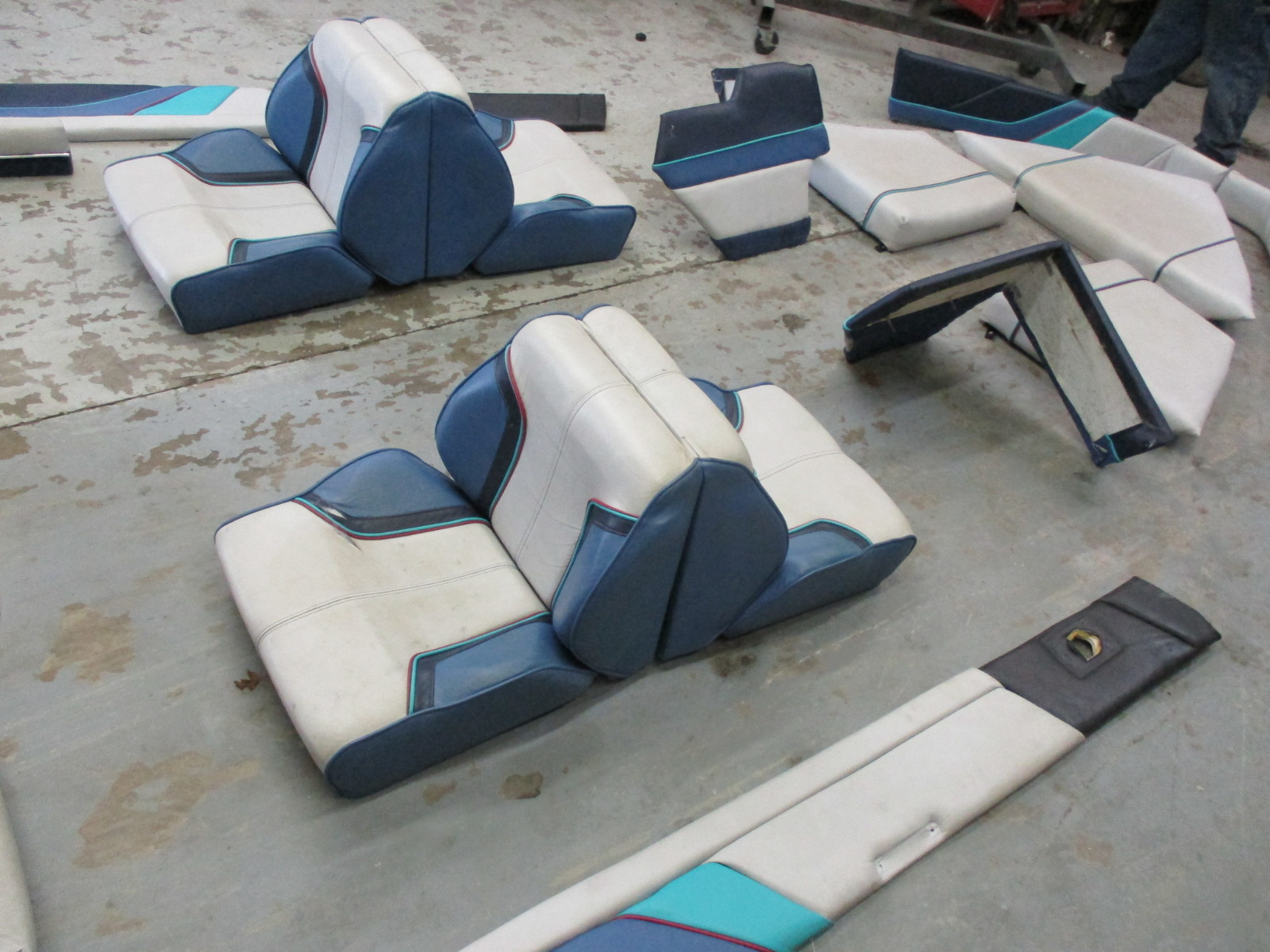 10615 1987 17 ft bayliner capri interior seats cushions back rest side wall 8 1989 bayliner capri seat covers velcromag 1992 bayliner capri wiring diagram at creativeand.co