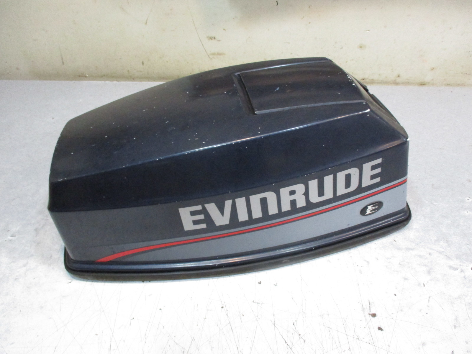 0284137 top engine cover evinrude johnson cowl outboard for Boat motor covers johnson