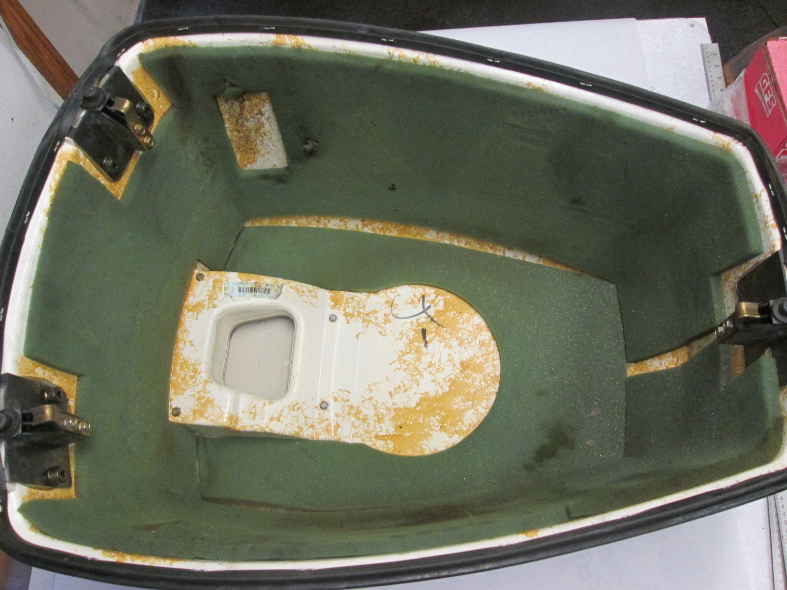 0436164 436164 Johnson Evinrude Engine Cover Assembly 120