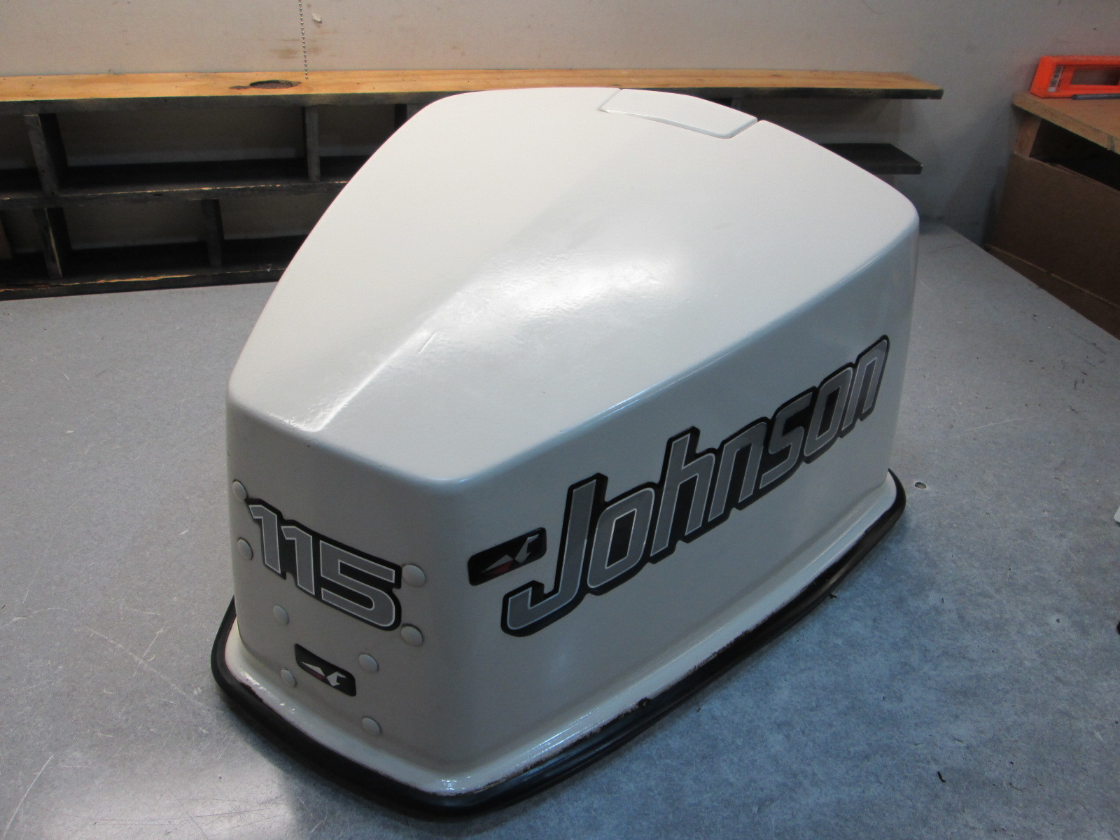 385646 1973 115 Hp Johnson Outboard Top Motor Cover Cowl