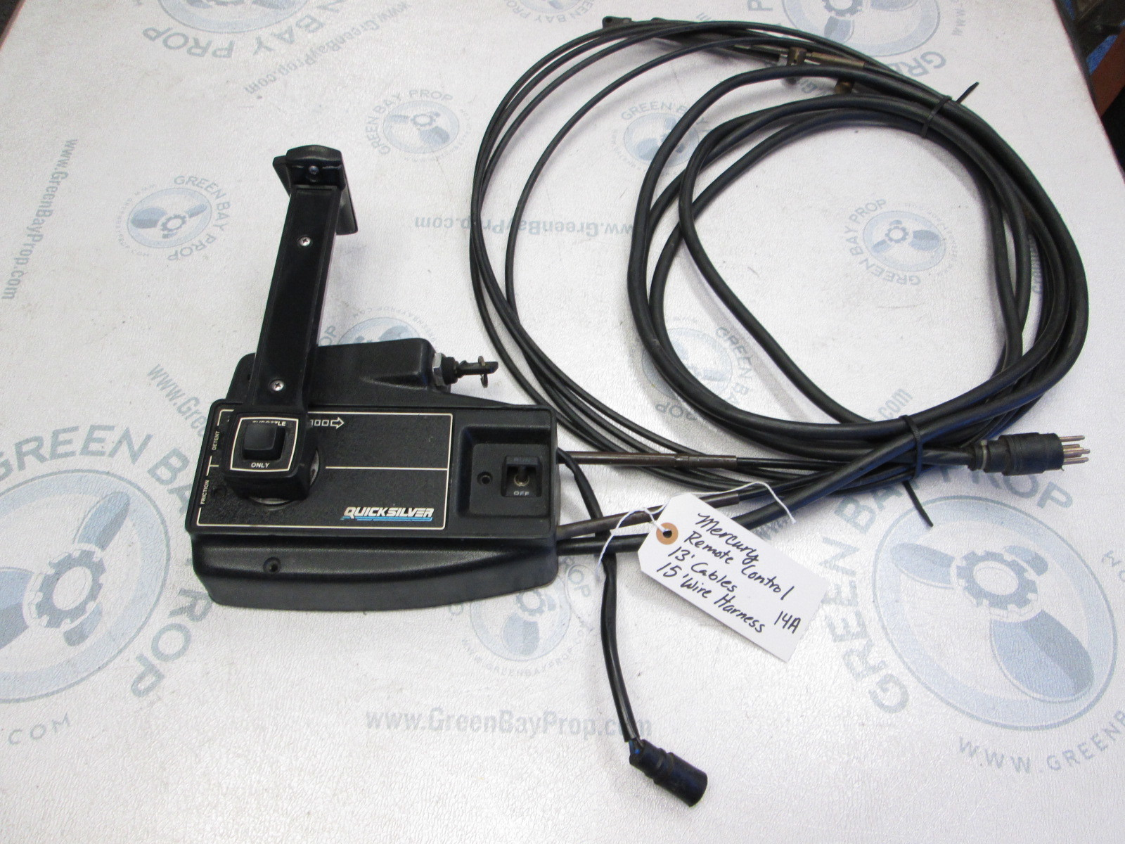 Remote throttle control outboard motor