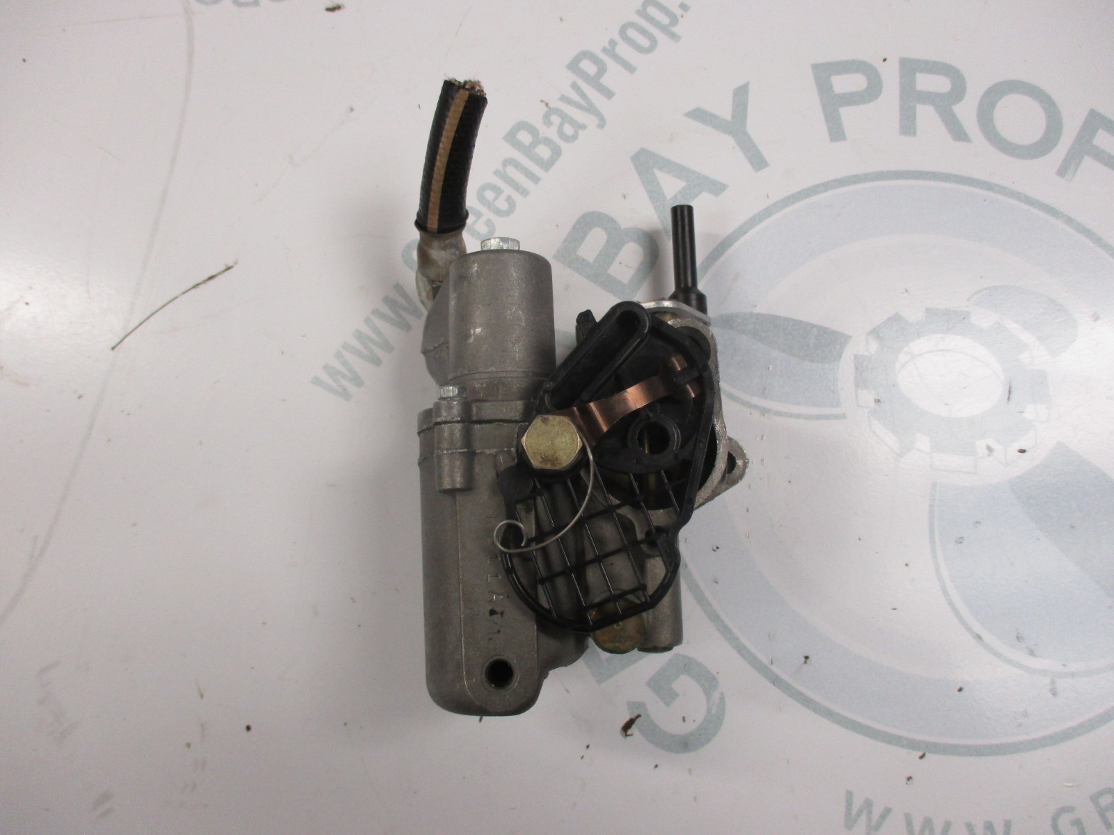 how to clean carburetor on mercury outboard