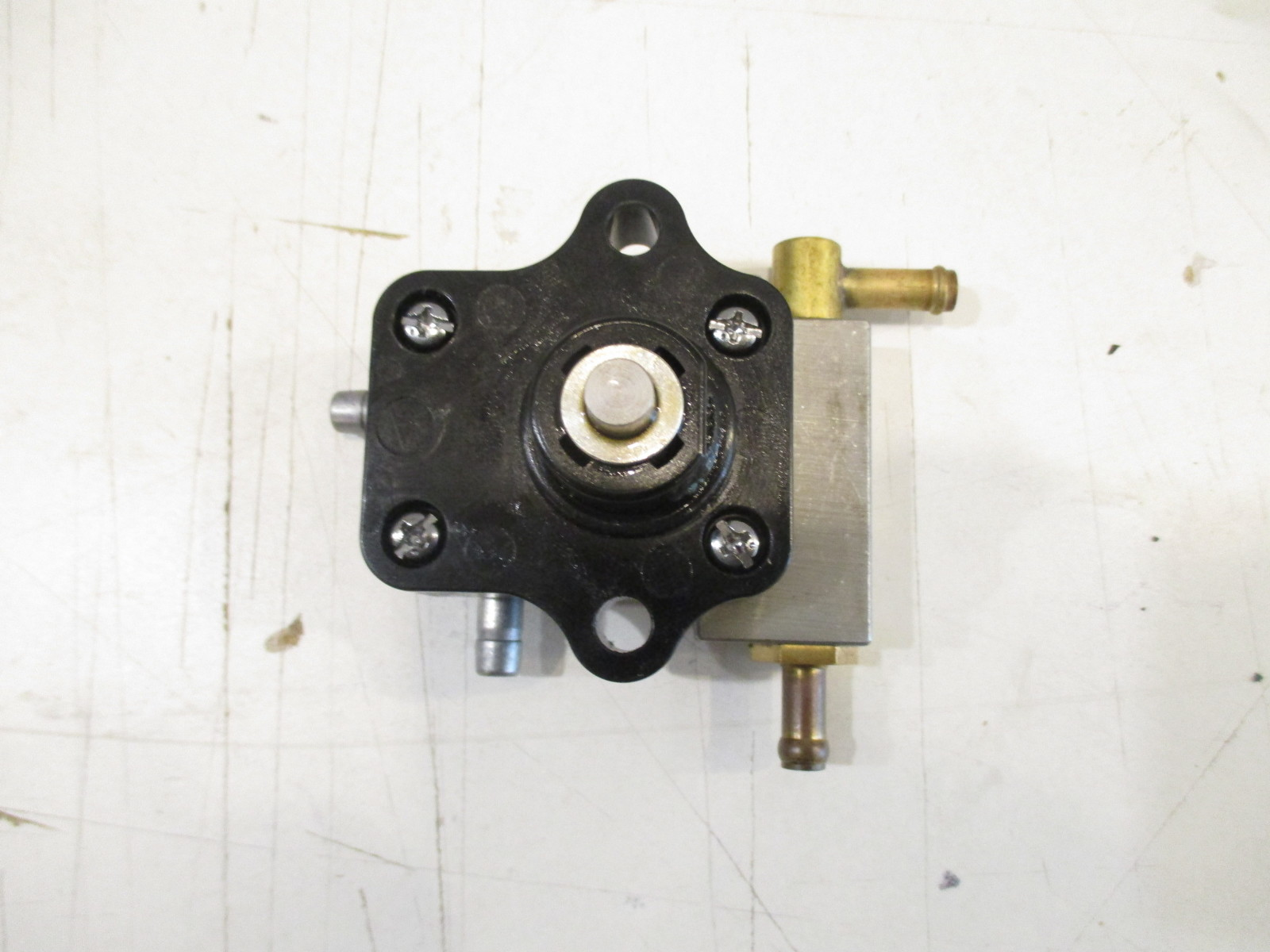 803529t07 Mercury Mariner Outboard Fuel Pump 8  9 9 Hp 2005