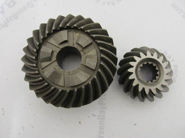 43-42933A2 828072A2 Pinon & Forward Gear Mercury/Mariner 225 3.0L Mercruiser Alpha