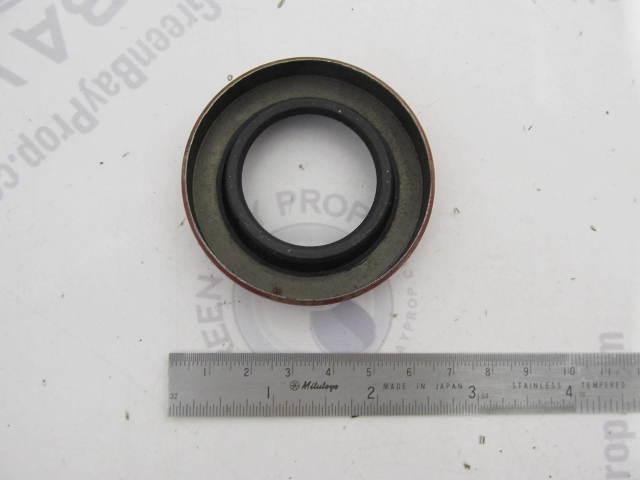9568 Carquest National Ford Mercury Rear Wheel End Seal