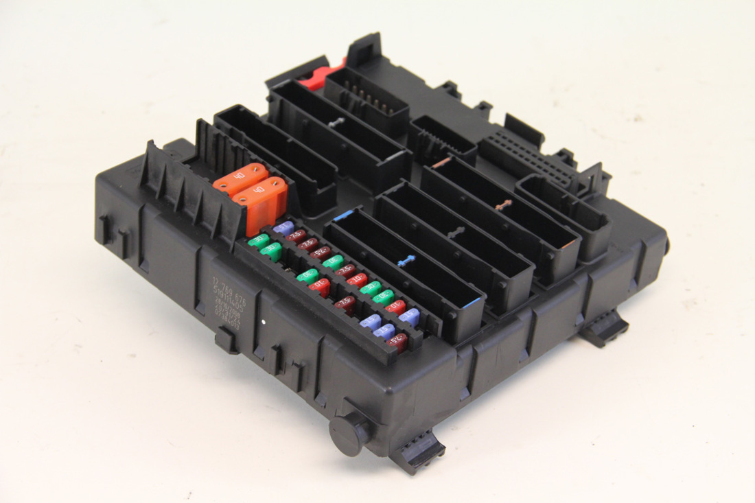 saab 9 3 interior control fuse box 12769676 08 09 10 11. Black Bedroom Furniture Sets. Home Design Ideas