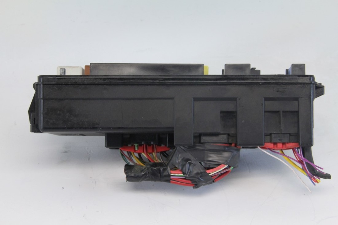 12961557 saab 9 3 28l 03 07 under hood fuse relay box block 12961557 oem 673961334 saab 9 3 2 8l 03 07 under hood fuse relay box block 12961557 oem under-hood fuse/relay box at soozxer.org
