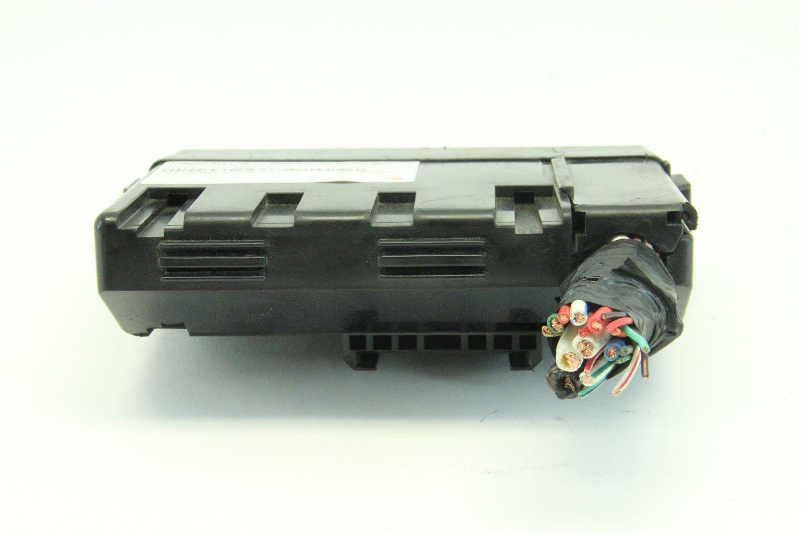 infiniti m35 06-07 small fuse relay box under hood 284b7 ... 2006 infiniti m35 fuse box diagram 06 infiniti m35 fuse box #7