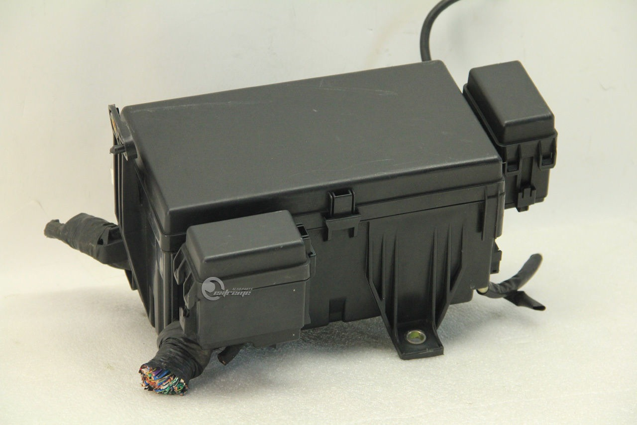 Toyota 4runner 2003 Exterior Under Hood Fuse Box 4 7l 8