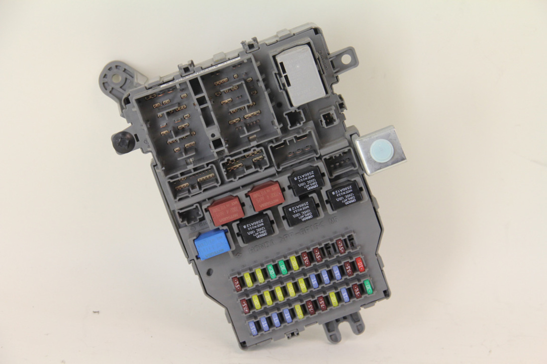 2007 acura tl fuse box acura tl type-s 2007, rear fuse box junction unit assembly ... #8
