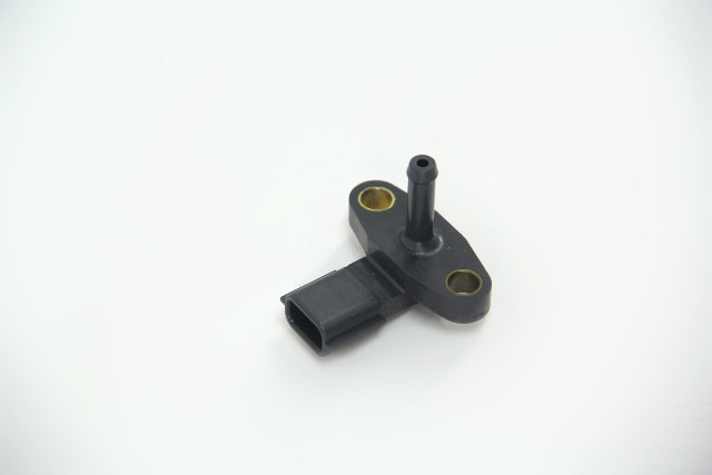 Infiniti G37 Evap Control System Pressure Booster Mass Airflow Sensor OEM 08-11