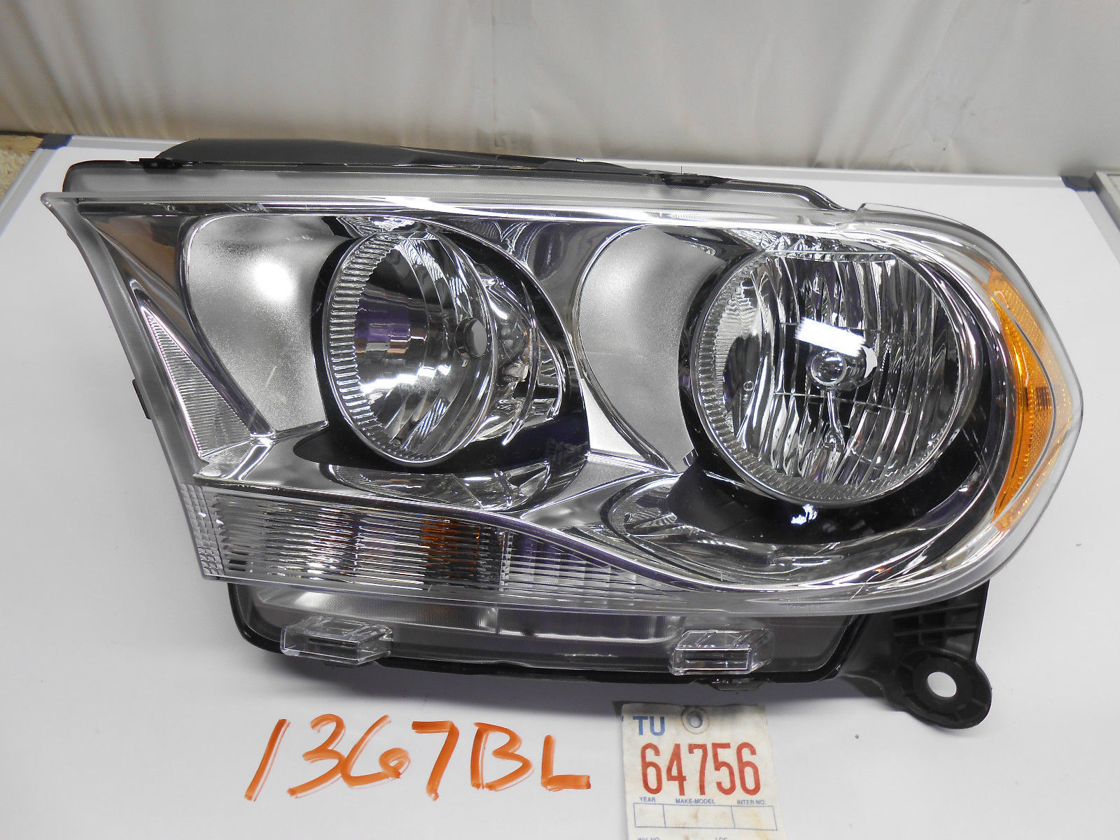 oem headlight headlamp head light lamp dodge durango 11 12. Black Bedroom Furniture Sets. Home Design Ideas