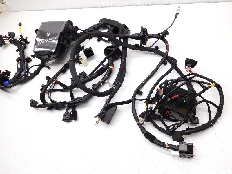 new oem 2011 2013 kia optima hybrid fuse box and wire harness new oem 2011 2013 kia optima hybrid fuse box and wire harness 91200