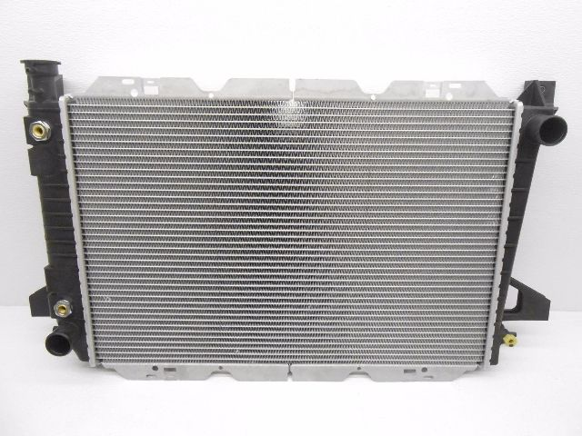 Nos Genuine Oem Ford Bronco F150 F250 F350 4 9l Radiator
