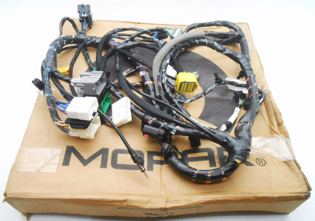 New Oem 2005 Chrysler 300  Dodge Magnum Dash Wire Harness