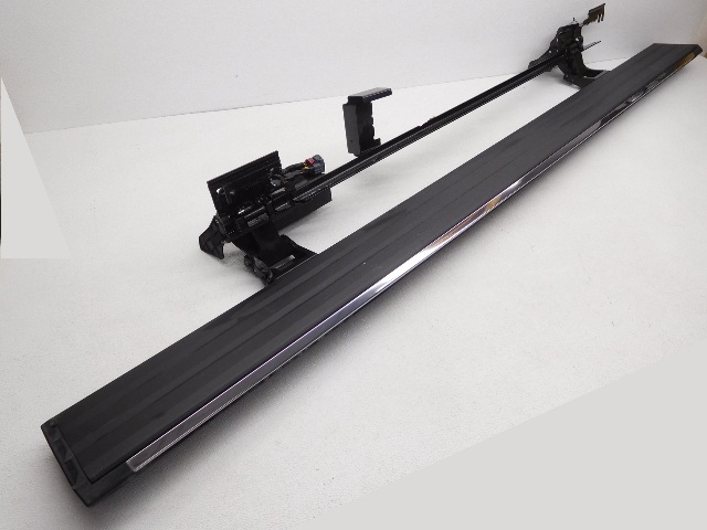 OEM Cadillac Escalade ESV Left Driver Power Running Board 23296346 Scratches