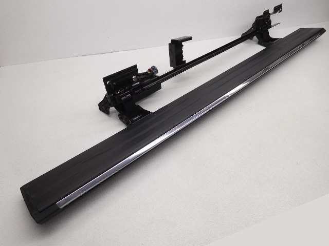 OEM Cadillac Escalade Left Driver Power Running Board 23296344 Scratches
