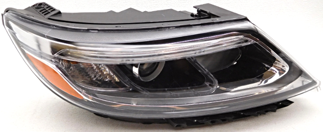 oem kia sorento right passenger side headlamp water spots inside alpha automotive. Black Bedroom Furniture Sets. Home Design Ideas