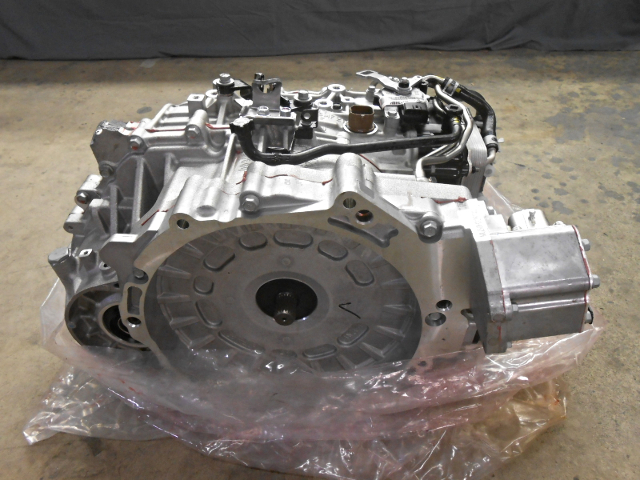 OEM Hyundai Sonata Transmission Casing Cracked 00268-3D600