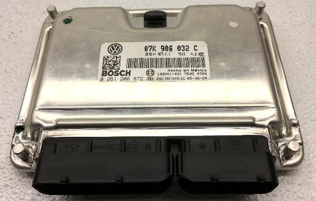 OEM Volkswagen Bettle Engine Control Module 07K-906-032-C
