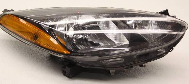 OEM Mazda 2 Right Passenger Side Halogen Headlamp DR61510K0D Tab Gone Lens Scr