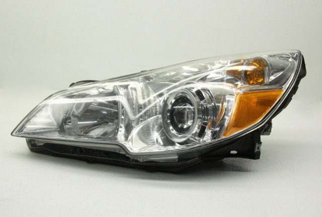 OEM Subaru Legacy Left Halogen Headlamp 84001AJ01A Tab Gone