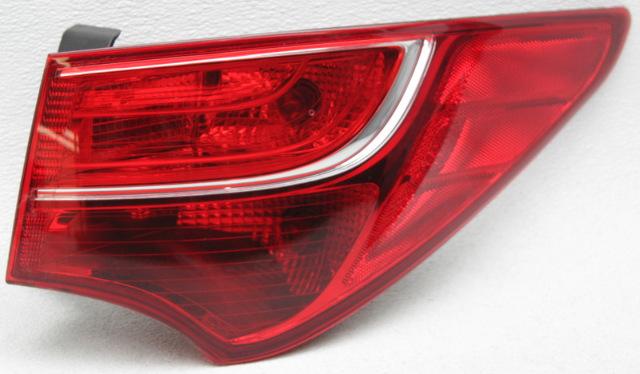 OEM Hyundai Santa Fe Right Passenger Side Halogen Tail Lamp 92402-4Z000