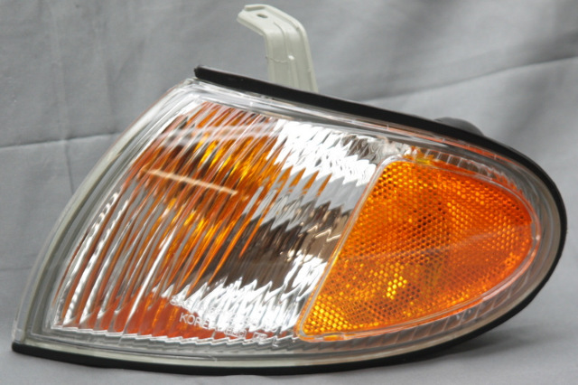 OEM Hyundai Accent Left Driver Side Front Signal Lamp 92305-22350