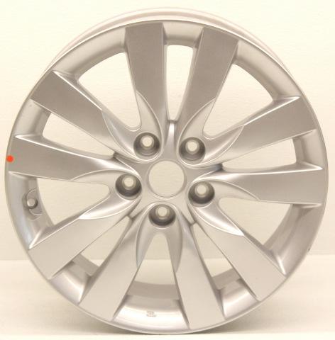 OEM Kia Forte 17 inch Alloy Wheel Nicks 52910-1M350