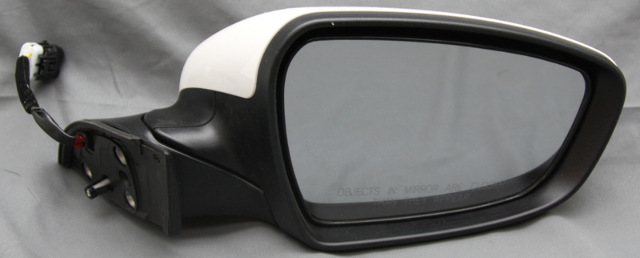 OEM Kia Forte Right Side View Mirror 87620-B0000