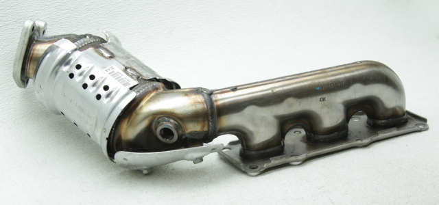 OEM Genesis G90 3.3L Turbo Left Exhaust Manifold w/Catalyst 28510-3LAA0