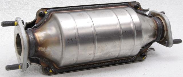 OEM Hyundai Elantra Spectra Catalytic Converter 28950-23960