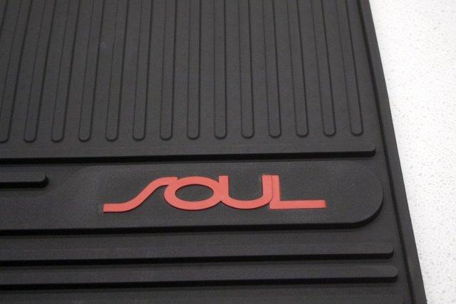 Oem Kia Soul Front Floor Mats U8130 2k000 Alpha Automotive