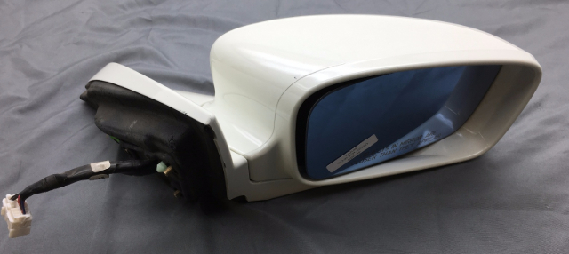 OEM TL Right Passenger Side View Mirror White 76200-SEP-A11 Paint Scratches