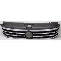 OEM Volkswagen Passat Grille Scratches Missing Emblem 561853651JNLB