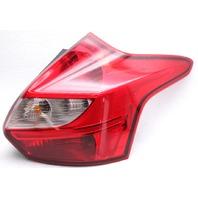 OEM Ford Focus Hatchback Right Passenger Side Tail Lamp DM5Z-13404-C Lens Crack