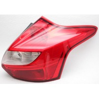 OEM Ford Focus Hatchback Right Passenger Side Tail Lamp Lens Crack