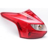 OEM Ford Focus Hatchback Left Driver Side Tail Lamp CV6Z-13405-L Lens Crack