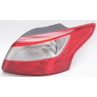 OEM Ford Focus Sedan Right Passenger Side Tail Lamp DM5Z-13404-E Lens Crack