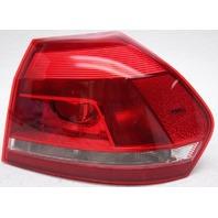 OEM Volkswagen Passat Sedan Right Passenger Side Tail Lamp 561945096H