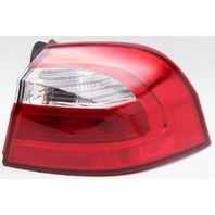 OEM Rio Hatchback Right Qtr Mounted Tail Lamp 92402-1W220 Lens Chip