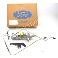NOS New OEM Ford Brake Master Cylinder Crown Victoria Police Interceptor 1993-94
